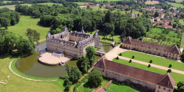 ©Château de Sully en Bourgogne